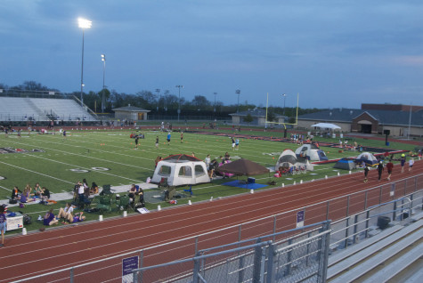 Several activities took place during the night to entertain the participants, such as a Mr. Relay competition, 3:00 a.m. Zumba dancing, a midnight performance by the Majestics, and a flag football tournament.