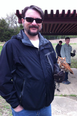 Art Teacher, Jeff Seidel, spends some of his free time volunteering at Blackland Prairie Raptor Center.